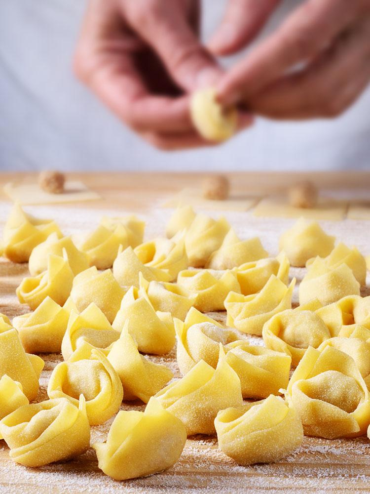 Tortellini fatti a mano Non solo pasta da Laila Macerata